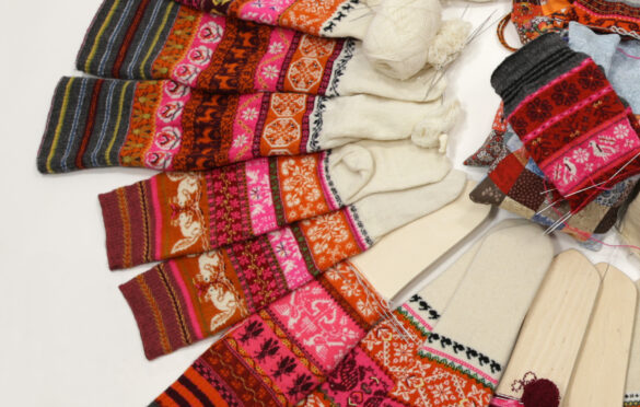 Ehtsa tihedusega Muhu sukad, mille kudusid Kudujate Koopiaklubi 100 naist. Foto: Anu Pink
