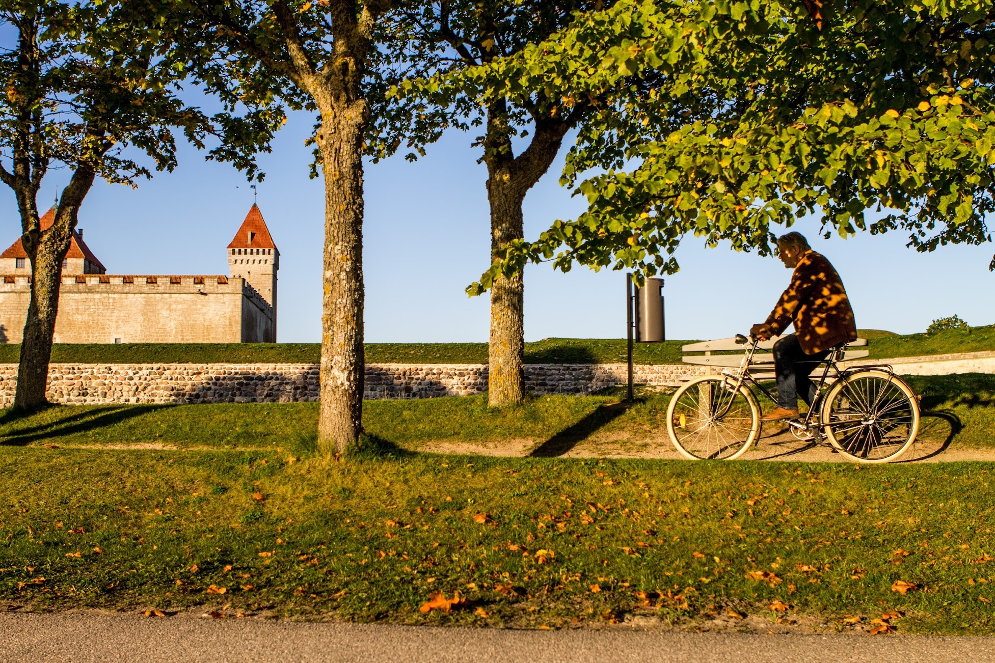 Cycling in Saaremaa is popular. It is convenient to discover the city and the island by bike.
