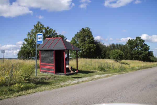 Kaugatama bussipeatus Saaremaal