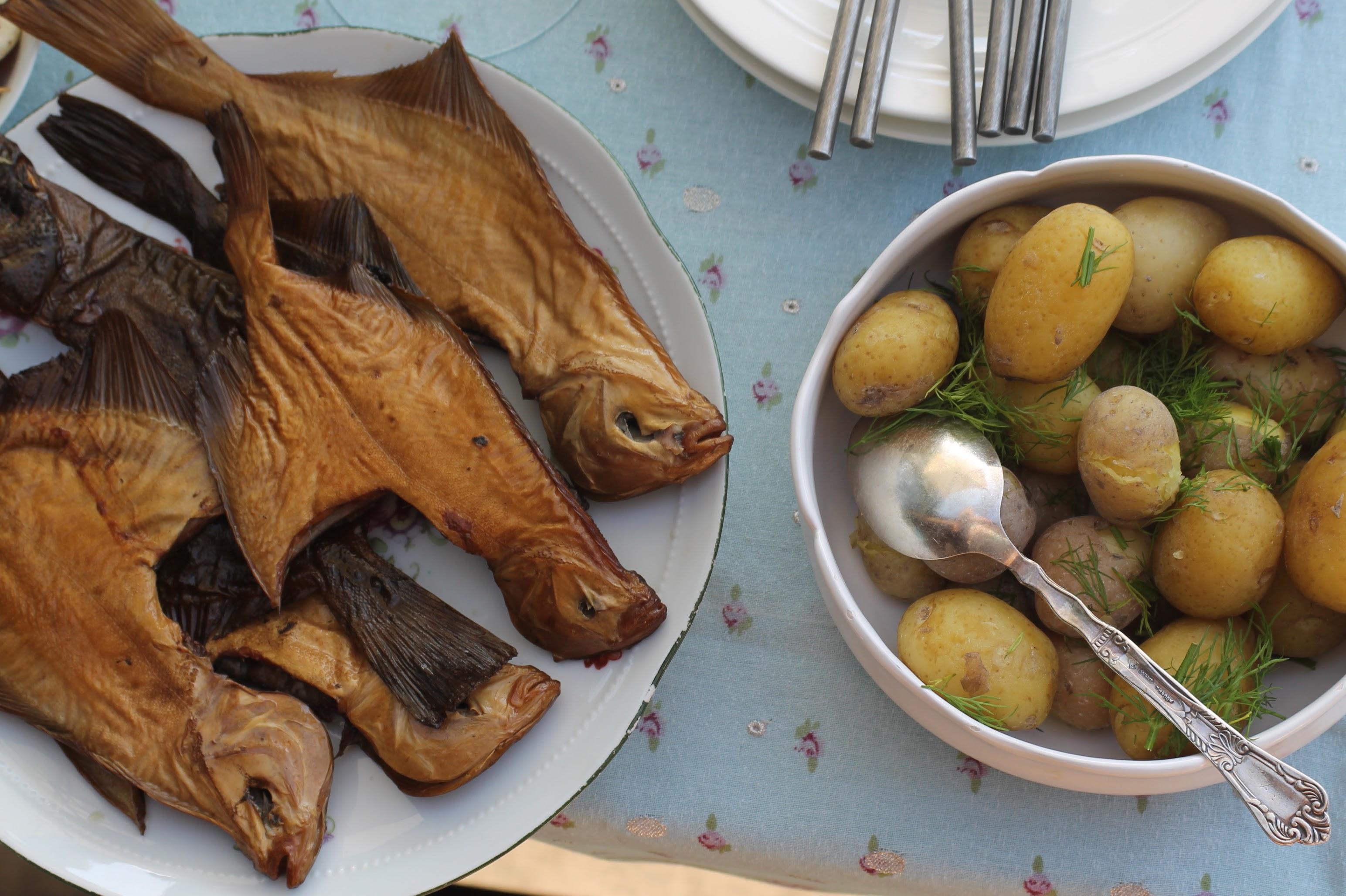 Koorega kartulid ja suitsukala on saarlaste toidulaual olnud aastasadu