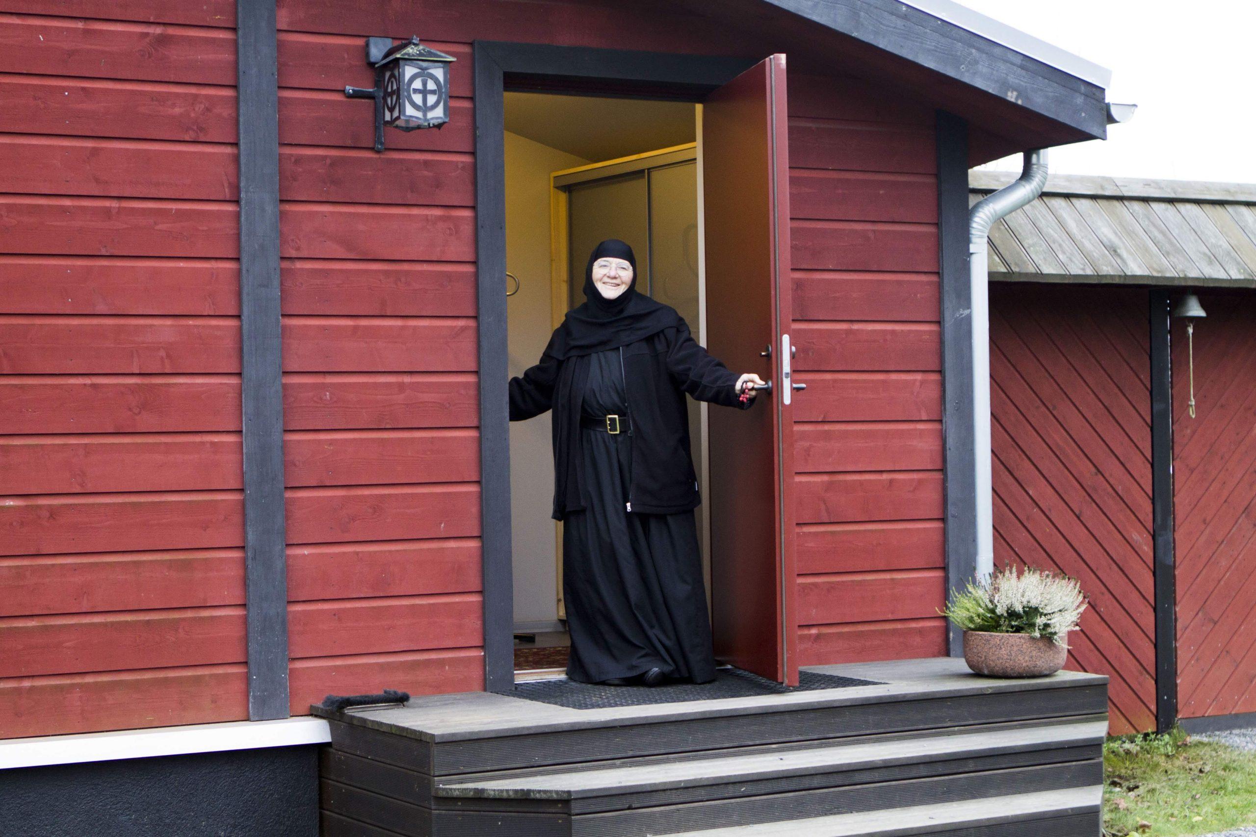 Nunnakloosteri elanikud võtavad kõik külalised suure ja avatud südamega vastu