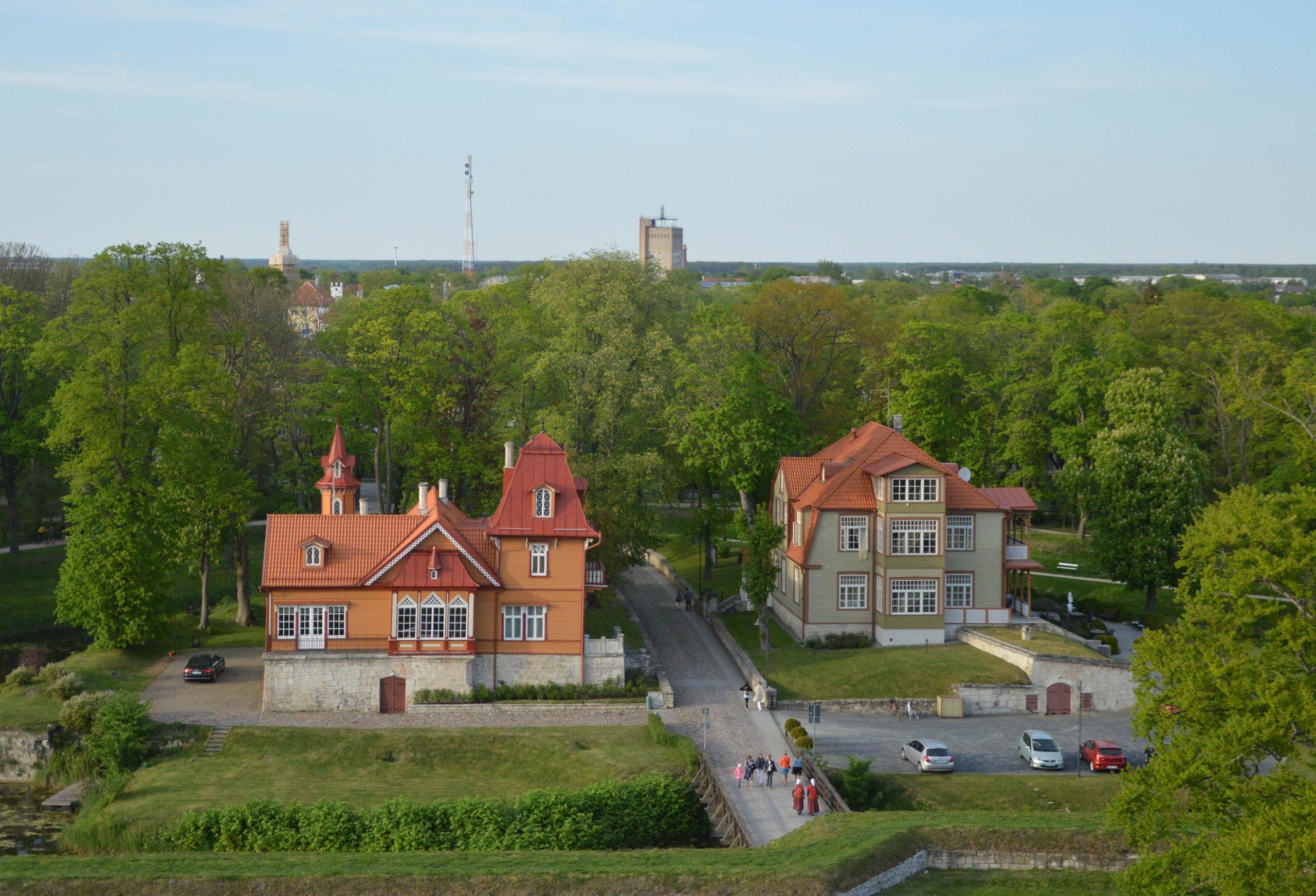 Vaade lossi tornikohvikust linnale
