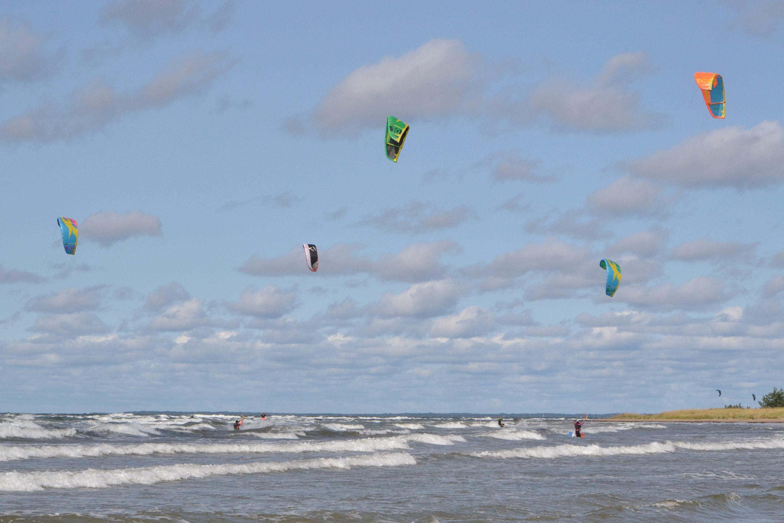 Tuhkana rand on hea koht surfamiseks